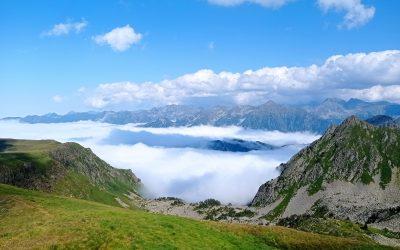 Bonjour à tous, presque 5 semaines de randonnée dans les montagnes, et me voilà à l'entrée des Pyrénées orientales, je quitte l'Ariège terre courage où les dénivelés sont impressionnants…que me réserve les montagnes orientales ? Bises Thierry